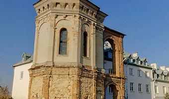 Baszta Firlejów w Dąbrowicy i Dom spotkań